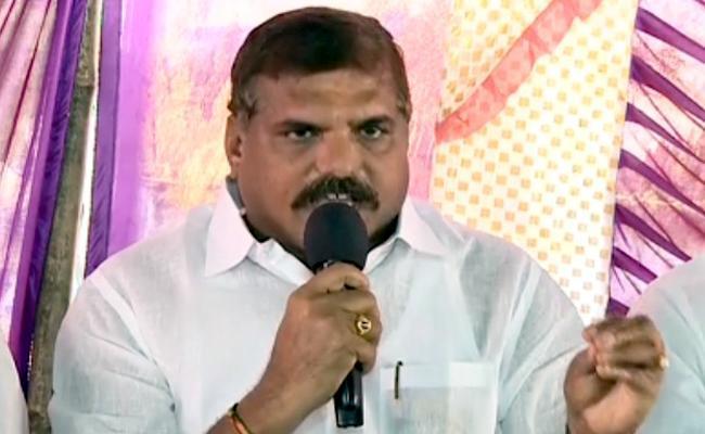 Botsa Satyanarayana Slams TDP Over Grama Volunteer - Sakshi