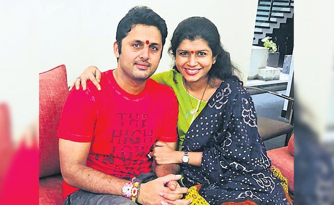 Hero Nithin Celebrate Rakhi Festival With His Sister Nikhitha Reddy - Sakshi