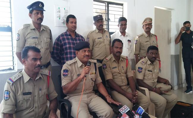 Kamareddy Police Nab The Serial House Burglar - Sakshi