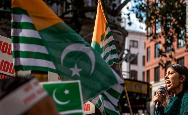Thousands Of Protesters for Kashmir In London - Sakshi