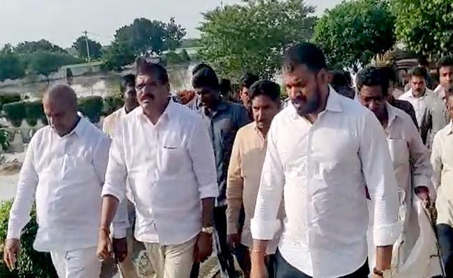 AP Ministers Visits Buildings At Krishna Karakatta - Sakshi