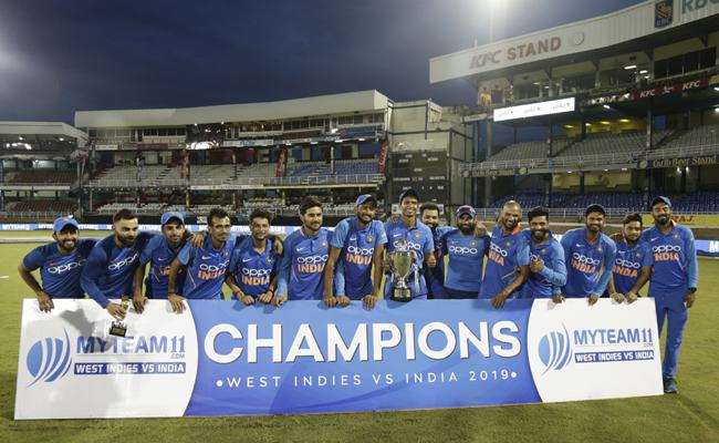 India beat West Indies by 6 wickets, seal series 2-0 - Sakshi
