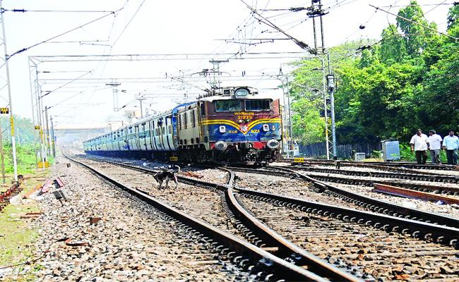 Konark Express Has Shutdown Due To Technical Problem In Kazipet Junction  - Sakshi