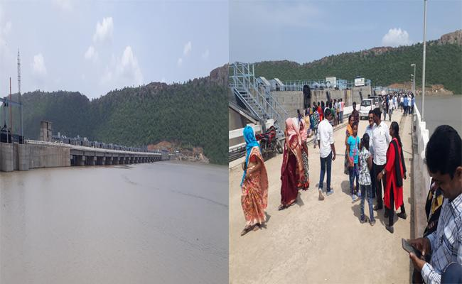 Tourists Rush To See Pulichinthala Project Water Gushing In Suryapet District - Sakshi