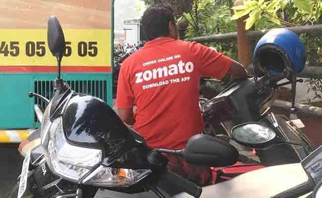 Hyderabad Man Free Ride With Zomato Internet Praises Him - Sakshi