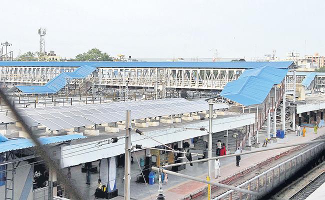 Fourth Foot Over Bridge in Secunderabad Railway Station - Sakshi