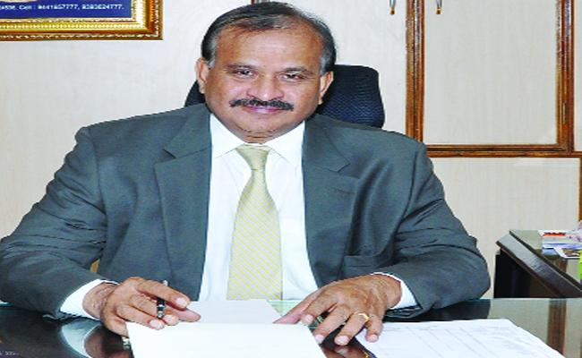 SIMS Director Give Resignation In Chittoor - Sakshi