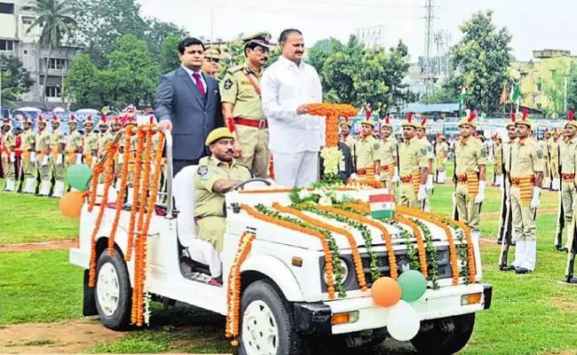 Independence Day Celebrations In Visakhapatnam - Sakshi