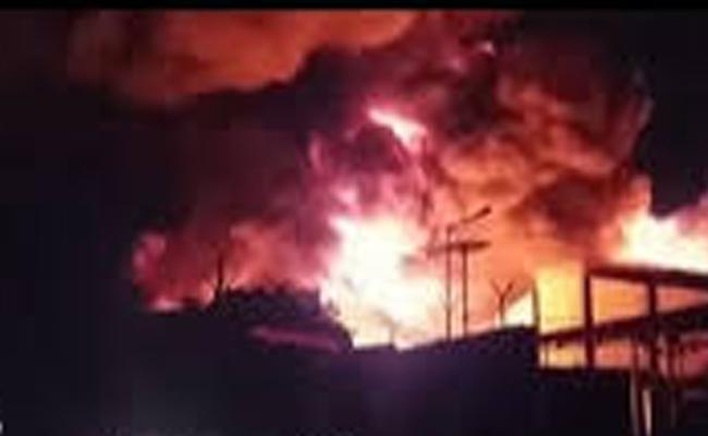 Fire Accident Occured In Pashamylaram Industrial Area Sangareddy - Sakshi