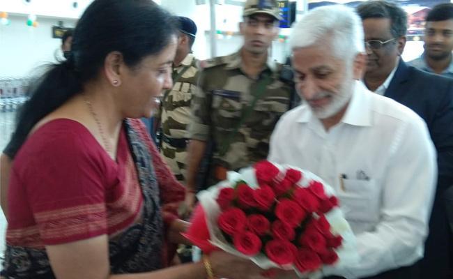 Nirmala Sitharaman Recieves Grand welcome at Renigunta Airport - Sakshi