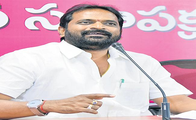 Minister Srinivas Goud Says, Cutting Of Palm Trees Leads To Non Bailable Cases - Sakshi