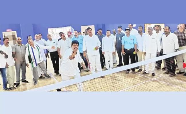 Ministers Opening Indoor Mini Stadium In Srikakulam District - Sakshi