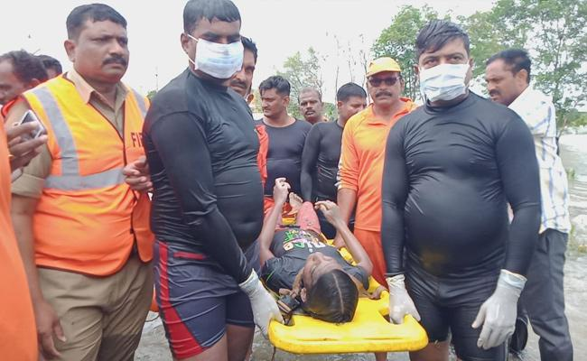 In Kanchikacherla Incident Tulasi Priya Dead Body Found - Sakshi