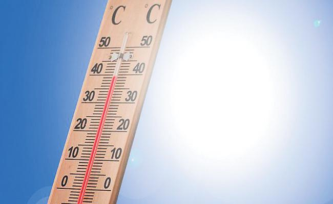 Record Temperature In the Month of July - Sakshi