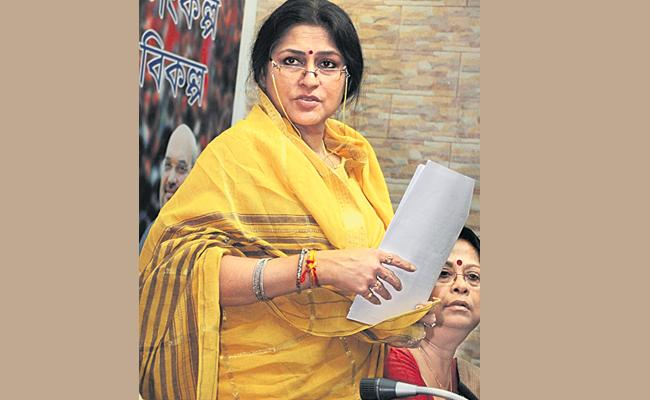 BJP Leader Rupa Ganguly React on Son Drunk And Drive Case - Sakshi