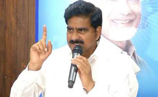 Former MLA Devineni Uma Maheswra Rao Followers Assulted On Locals In Krishna - Sakshi