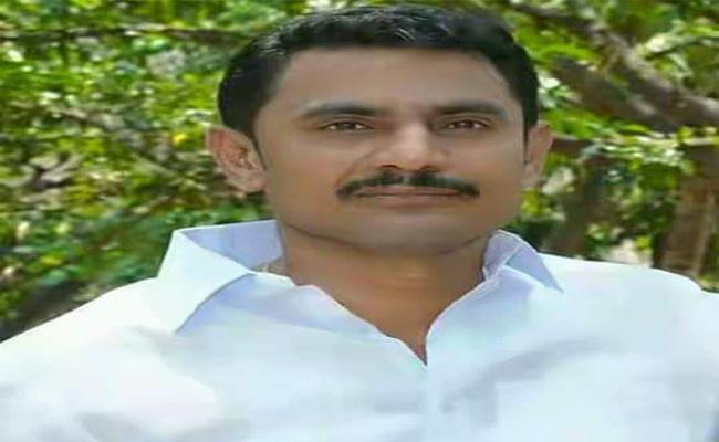 TDP Leader Gave Warning To Government Officers About Land Issue  In Anantapur  - Sakshi