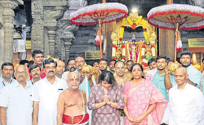 Central Minister Nirmala Sitharaman Visits Tirumala - Sakshi