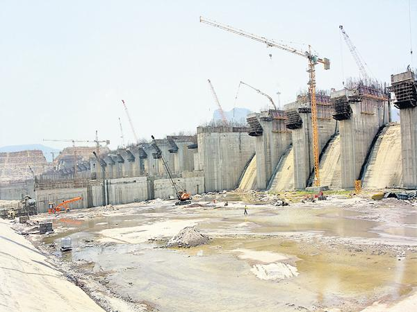 State Government steps towards achieving Polavaram - Sakshi