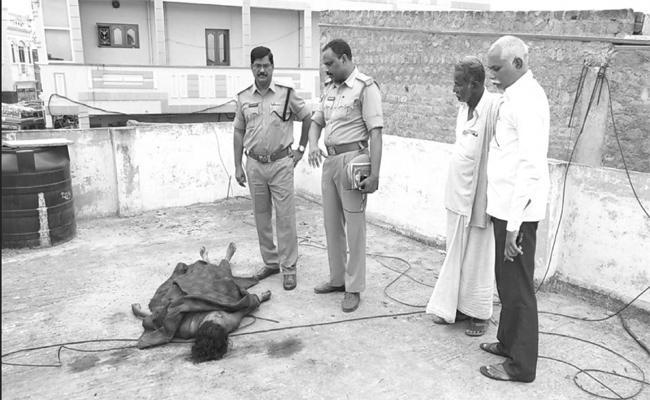 Husband Brutually Murdered  Women In Prakasam - Sakshi