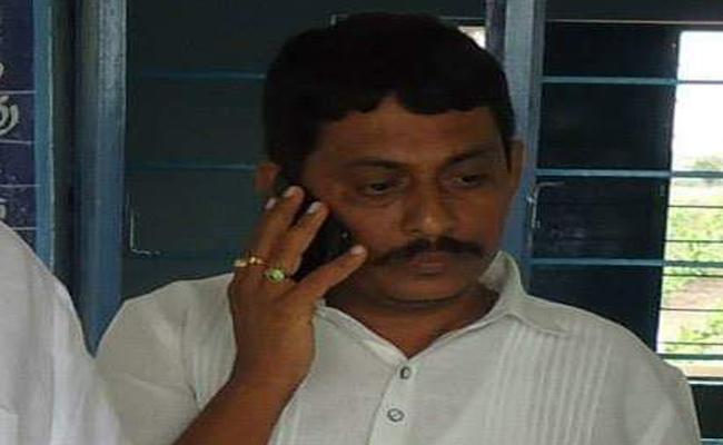 PD Act On SV Ravindra Reddy Doing Illegal Activities In Tadipatri - Sakshi