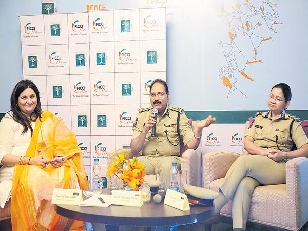 Dgp Mahender Reddy Says Crimes cannot be reduced with Executions - Sakshi