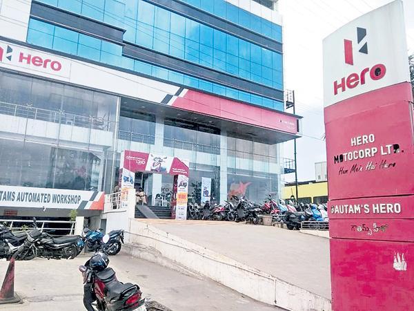 Case against Kodela son - Sakshi