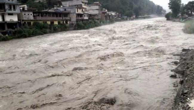 Heavy Rainfall Lashes Himachal Pradesh - Sakshi