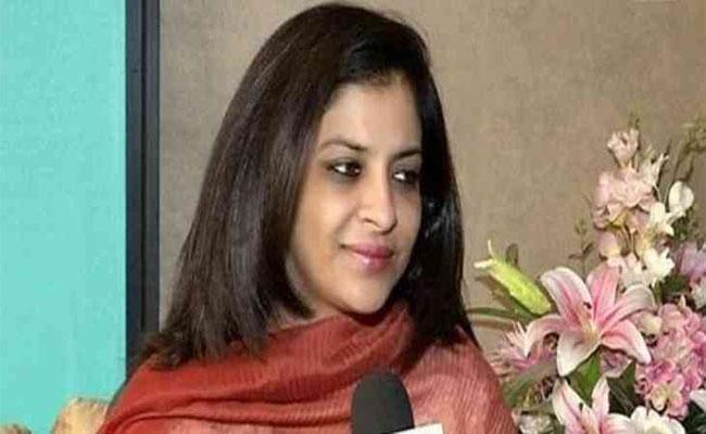 Shazia Ilmi  Slams Pakisthan Supporters In Seoul - Sakshi