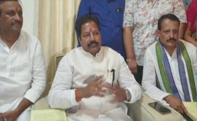 AP Deputy Speaker Kona Raghupathi Comments On CM Jagan - Sakshi