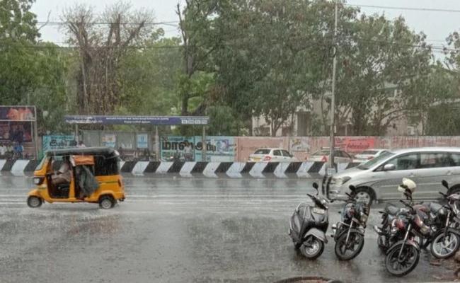 Heavy Rains In Tamilnadu - Sakshi