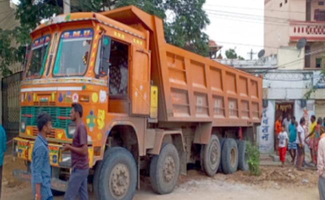 Tipper Accident In Rajendra Nagar - Sakshi