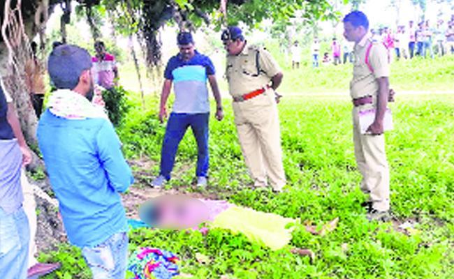 Tribal Women Murdered In Medak - Sakshi
