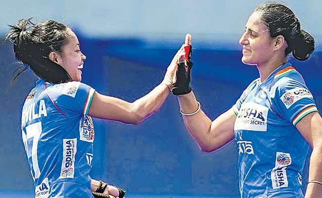 Indian Women Hockey Team Draw With Australia - Sakshi