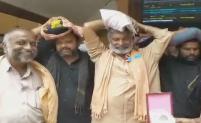 Peddireddy Ramachandra Reddy Visits Sabarimala - Sakshi
