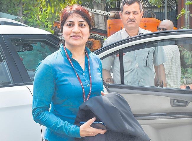Supreme Court orders transfer of Unnao cases to Delhi CBI court - Sakshi