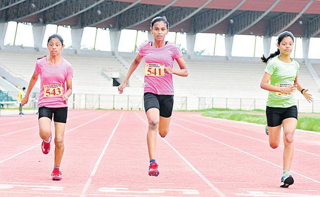 Raga Varshini Proved With Two Gold Medals In Athletics - Sakshi