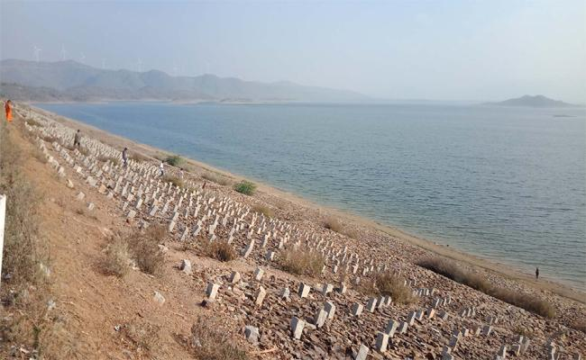 Full Of Water Irrigation Projects Kadapa Project - Sakshi