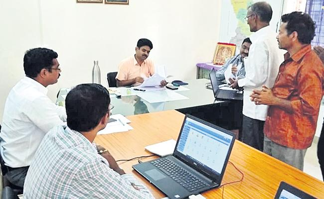 Collector Solve Land Problems In Rangareddy - Sakshi