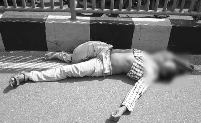 Man Death Bu  Accident In Visakhapatnam - Sakshi