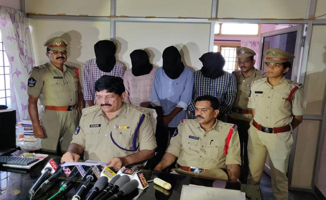 Police Arrested Kidnapers In Guntur District - Sakshi