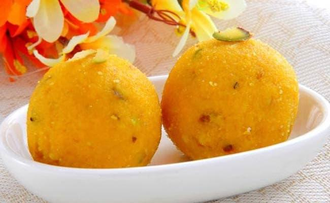 UP Man Seeks Divorce Over Wife Gives Him Laddoos To Eat - Sakshi