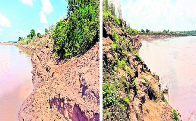 Atreyapuram Lanka lands Disappearing At Sea Costel Area In Eastgodavari - Sakshi