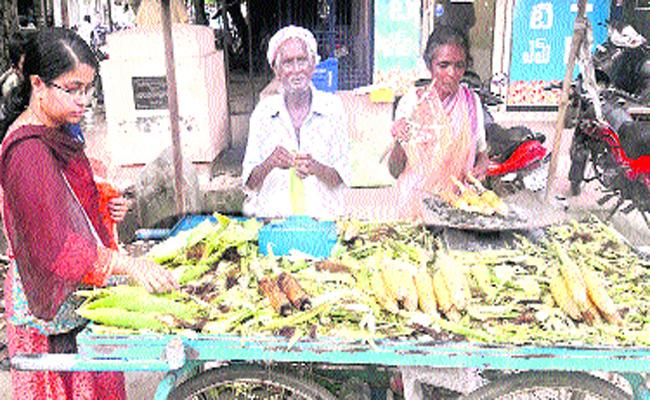 Old Couple Doing Business Together And Lead Life In West Godavari - Sakshi