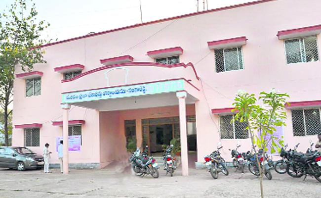 Zilla Parishad Do Not Have Funds In Sangareddy - Sakshi