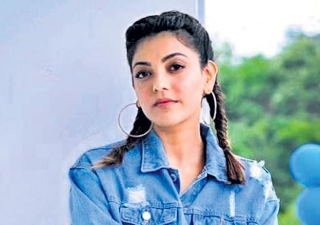 kajal agarwal queen tamil remake on sensor issue - Sakshi