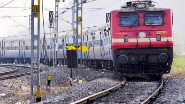 Indian Railways To Ban Single Use Plastic - Sakshi