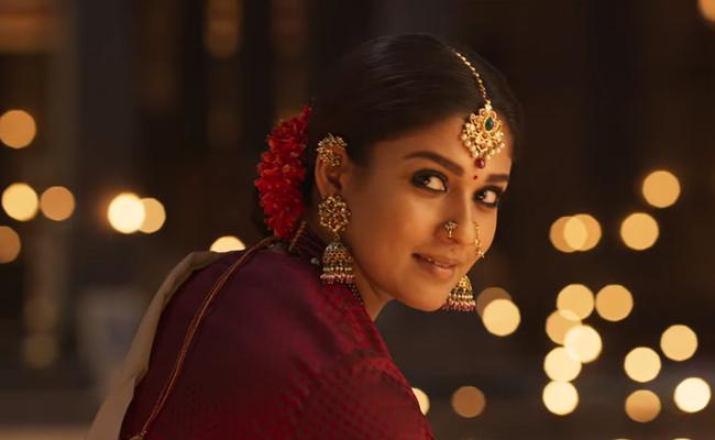 Nayantara Absent in Chiranjeevi Sye Raa Narasimha Reddy Teaser Launch Event - Sakshi