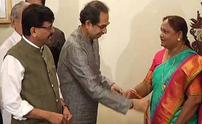 Maharashtra Congress MLA Nirmala Gavit Joins Shiv Sena - Sakshi