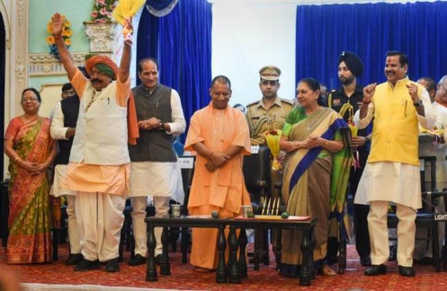 UP CM Yogi Adityanath inducts 18 new faces in cabinet - Sakshi
